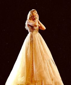 life goal- be taylor swift. Her dress is truly wonderful. life goal- be taylor swift. Her dress is truly wonderful. Taylor Swift Speak Now, Long Live Taylor Swift, Taylor Swift Style, Taylor Swift Pictures, Taylor Alison Swift, Taylor Swift Enchanted, Taylor Swift Wallpaper, Taylors, Look At You
