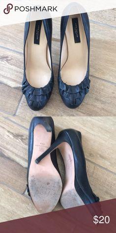8fd3cde09 EUC Black leather ann Taylor heels size 6.5