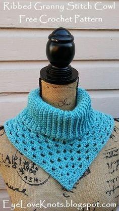 Ribbed Granny Stitch Cowl - free crochet pattern from EyeLoveKnots Col Crochet, Crochet Cowl Free Pattern, Bonnet Crochet, Crochet Triangle, Crochet Poncho, Crochet Scarves, Crochet Clothes, Crochet Stitches, Free Crochet