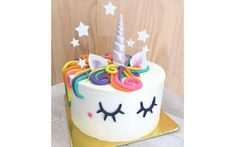 Order Unicorn Party Cake from Wish A Cupcake for someone's birthday or anniversary. Send Unicorn Party Cake as a gift anywhere in India as same day or midnight delivery. Unicorn Cake Design, Easy Unicorn Cake, Unicorn Cupcakes, Unicorn Rainbow Cake, Unicorn Cale, Unicorn Emoji, Unicorn Cake Topper, Rainbow Cupcakes, Rainbow Birthday