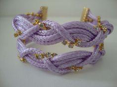 Pulseira lilás com duas tranças e strass