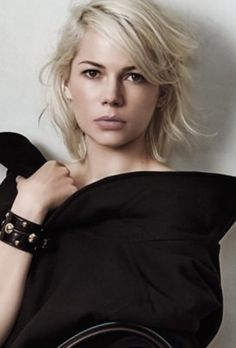 Major hairspiration from Michelle Williams in Louis Vuitton AW15