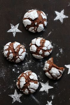 Snowcap Cookies – Simple Chocolate Chip Cookies Without Cutting Out Mrs Flury Chocolate Co … - Weihnachtsessen Easy Chocolate Chip Cookies, Chocolate Crinkles, Chocolate Biscuits, Cooking Chocolate, Salted Chocolate, Chocolate Caramels, Cheesecake, Peanut Butter Desserts, Christmas Baking