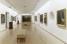 Palacio de Velarde, vista general de la sala 5, dedicada a la pintura y escultura españolas del siglo XIX. Fotografía: Marcos Morilla.
