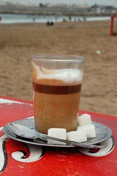 Koffie aan t strand  Rabat, Marokko