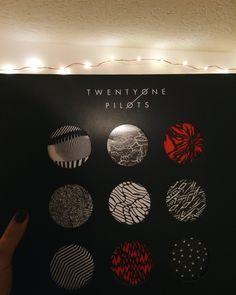 Instagram: crosseva // Blurryface twenty one pilots clique