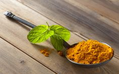 Study: Turmeric and Bay Leaves Team up to Prevent Atherosclerosis