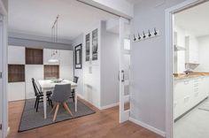 Comedor y cocina / El antes y después de un piso de estilo escandinavo #hogarhabitissimo