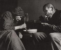 Martin Martinček - Desaťročia jedli z jednej misy I. 1964–1965 Heart Of Europe, Folk Art, Documentaries, Nostalgia, Beautiful Women, Couple Photos, Photography, Image, Country