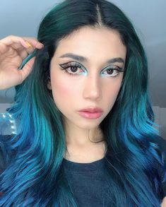 Super pretty blue + teal waves on the lovely - try our Cerulean Sea + Cyan Sky for a similar look! Teal Hair Dye, Dark Teal Hair, Turquoise Hair, Blue Hair, Dyed Hair, Curly Hair Styles, Natural Hair Styles, Hair Today Gone Tomorrow, Gorgeous Hair Color