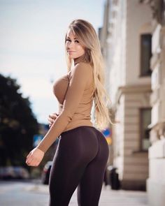 Sexy Toned and Fit Babes: Archive The Most Beautiful Girl, Gorgeous Women, Mode Des Leggings, Looks Pinterest, Yoga Pants Girls, Look Girl, Instagram Girls, Girl Fashion, Sexy Women