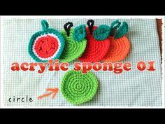 洗剤いらずで汚れを落としてくれるアクリルたわしはとってもエコ! 見た目もすごくかわいいし、アクリル毛糸があれば、すぐに編めちゃうのが魅力的。 暇なときに手を動かして、アクリルたわしを作ってみませんか? Crochet Videos, Crochet Projects, Crochet Earrings, Christmas Ornaments, Holiday Decor, Pattern, Crocheting, Tricot, Tejidos