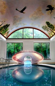 Swim thru the seashell to get to the outside! And I love the painted ceiling :) #CasaDeCarson