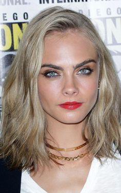 She may be more famous for her brows than her hair, but yesterday Cara Delevingne lopped off her lengthy locks in favour of a long bob, courtesy of LA stylist Mara Roszak.