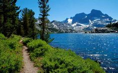 Lakeside footpath on the John Muir Trail in California's Sierra Nevada. Garnet Lake with Banner Peak in the background Thru Hiking, Hiking Trails, Oh The Places You'll Go, Places To Visit, John Muir Trail, California Travel, Bishop California, Northern California, Pacific Crest Trail