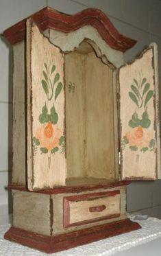 Oratório barroco com gaveta