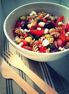 En Delicious Martha encontrarás todo tipo de recetas: dulces, saladas, vegetarianas, así como eventos y colaboraciones con marcas. Fruit Salad, Acai Bowl, Scott Jurek, Eat, Breakfast, Recipes, Food, Queso, Jewish Recipes