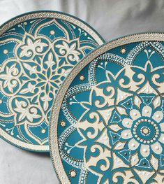 Mandala Doodle, Mandala Drawing, Mandala Painting, Mandala Art, Dot Art Painting, Ceramic Painting, Ceramic Art, Ceramic Plates, Ceramic Pottery