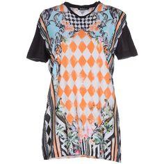 Balmain T-shirt ($641) ❤ liked on Polyvore featuring tops, t-shirts, black, floral pocket tee, black v neck t shirt, black pocket tee, black tee and short sleeve t shirts
