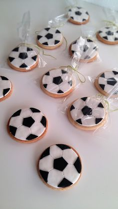 Buy or bake some cookies decorate with icing and add our soccer ball icing images (cupcake size) when dry pop in cellophane bags cute little Soccer party favors ! Soccer Party Favors, Soccer Birthday Parties, Football Birthday, 2nd Birthday, Soccer Birthday Cakes, Soccer Cake, Formation Patisserie, Bolo Original, Soccer Banquet