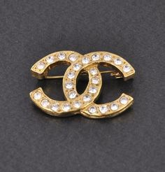 7939b3830e39 252 Best Chanel Brooches images   Chanel jewelry, Chanel brooch, Brooch
