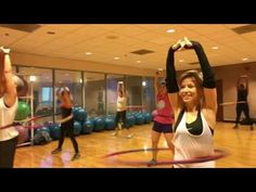 Valeo segment with weighted hula hoops - best workout to help, strengthen your back, core and help define waistline. For best results, hula hoop twice a day . Zumba Workout Videos, Fun Workouts, Weighted Hula Hoops, Hula Hoop Workout, Workout Challenge, Excercise, Get Healthy, Bodybuilding, Health Fitness