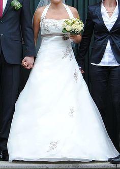 ♥ Traumhaftes Brautkleid in Größe 38 – Ladybird, Farbe Ivory, Appl. Cappuccino – mit umfangreichem Zubehör ♥  Ansehen: http://www.brautboerse.de/brautkleid-verkaufen/traumhaftes-brautkleid-in-groesse-38-ladybird-farbe-ivory-appl-cappuccino-mit-umfangreichem-zubehoer/   #Brautkleider #Hochzeit #Wedding