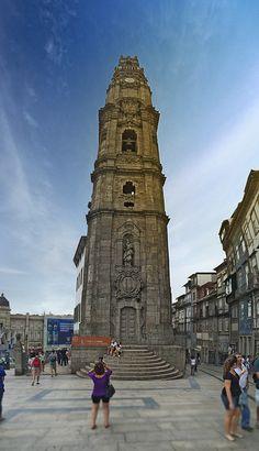 Torre dos Clérigos, Porto, Portugal.