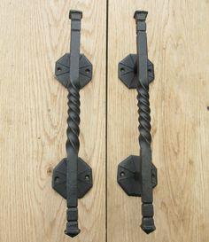 1 pair HAND FORGED BLACKSMITH DECORATIVE HEAVY DOOR PULL HANDLES BARN STABLE #IRONMONGERYWORLD
