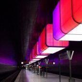 Prossima fermata HafenCity Universität luce che trasforma i non luoghi