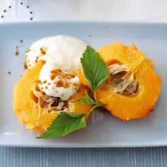 Baked quince with honey yoghurt - Pumpkin Dessert Baking Soda And Lemon, Baking Soda Uses, Fruit Recipes, Vegetable Recipes, Snack Recipes, Winter Desserts, Baking Soda Health Benefits, Baking Soda Face Wash, Quince Fruit