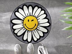 STUDIO 67   Hochwertige Matten und Teppiche online kaufen wash+dry   Design Special Shape Smiley Daisy Flower Family Affair, Smiley, Daisy, Studio, Tattoos, Flowers, Design, Tatuajes, Margarita Flower