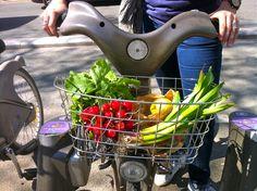 Primavera em Paris: As flores frescas, frutas e legumes da estação, passeios de bicicleta e piqueniques ao sol