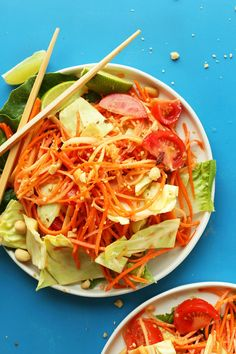 A 30-minute INSANELY flavorful Thai Papaya Salad with fresh vegetables and a zingy garlic-peanut sauce! Just as good as takeout and entirely plant-based.