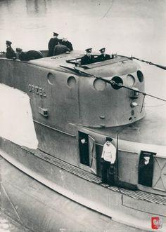 (English) Polish submarine ORP Orzel Naval History, Military History, German Submarines, Navy Ships, Military Equipment, Small Boats, War Machine, Battleship, North Africa