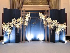 Marvelous Wedding Photobooth Backdrop Design Ideas That Can You Can Inspire Wedding Backdrop Design, Wedding Stage Design, Wedding Reception Backdrop, Wedding Stage Decorations, Backdrop Decorations, Wedding Designs, Backdrops, Wedding Entrance, Flowers Decoration