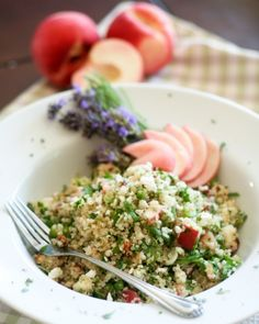 Quinoa Salad with Peaches, Cherry Tomatoes & Basil #delishsis #recipes ...