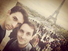 Classic #Selfie in #Paris. Les Bobos Nomades. #France #travel #gay #gaylove #gaytravel #trip #eiffel #eiffeltower #aroundtheworld #picture