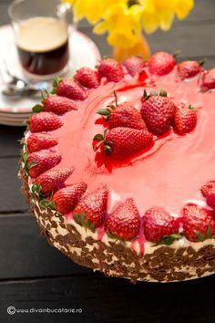 Un tort cu ciocolata, crema de branza si capsune inseamna rasfatul pe care il acordam celor dragi sau musafirilor intr-o zi de primavara. O combinatie reusita daca vrem sa facem un cheesecake intr-o alta prezentare, fapt pentru care cei care adora cheesecake-ul nu se vor opri la o felie… 🙂 INGREDIENTE: Pentru blat: (24cm) 6oua … Strawberry Desserts, Easy Desserts, Delicious Desserts, Dessert Recipes, Chocolate World, Chocolate Cake, Candy Cakes, Sweet Tarts, Cheesecake Recipes
