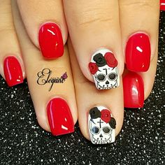 Red Nails with black, red and white accents. Sugar Skull nails nail designs for summer short nail designs 2019 self adhesive nail stickers nail art stickers how to apply full nail stickers Skull Nail Designs, Skull Nail Art, White Nail Designs, Halloween Nail Designs, Halloween Nail Art, Spooky Halloween, Vintage Halloween, Red And White Nails, Red Nails