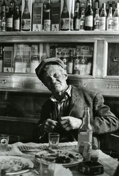 Tavern in Gavrio, Andros - March 1977 - Photo by Marina Karagatsi Greece Photography, History Of Photography, Film Photography, Black And White People, Black And White Love, Greek Party Decorations, Andros Greece, Greece History, Greece Pictures