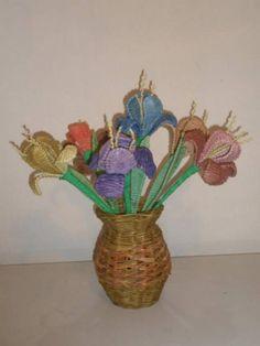 Плетение цветов из газетных трубочек. - Плетение из газетных трубочек - Поделки из бумаги - Каталог статей - Рукодел.TV