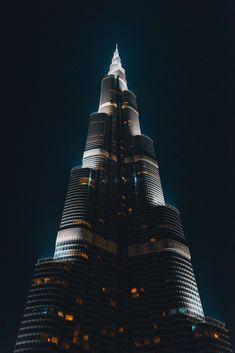 Burj Khalifa - Dubai (Photo credit to Clay Banks) - Architecture and Urban Living - Modern and Historical Buildings - City Planning - Travel Photography Destinations - Amazing Beautiful Places Dubai Airport, Dubai Mall, Sci Fi City, Visit Dubai, Dubai Life, Sharjah, Landscape Pictures, Real Estate Companies, United Arab Emirates