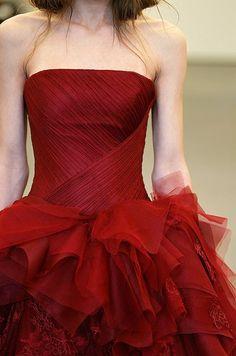 真っ赤なドレスにドキッ♡素敵な花嫁さんのREDドレスCollectionにて紹介している画像