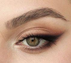 Bridal Makeup For Green Eyes, Wedding Eye Makeup, Makeup Looks For Green Eyes, Green Makeup, Natural Wedding Makeup, Bride Makeup, Make Up Ideas For Green Eyes, Wedding Hair, Sommer Make-up Looks
