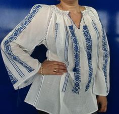 ie traditionala romaneasca | Artizanat Bell Sleeves, Bell Sleeve Top, Kimono Top, Blouse, Tops, Women, Fashion, Moda, Women's