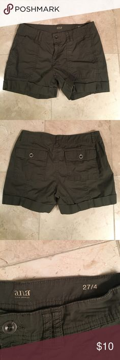 Olive cargo shorts Cute and light weight. Olive green cargo shorts. ana Shorts Cargos