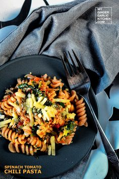 SPINACH TOMATO CHILI WHOLE GRAIN PASTA [VEGETARIAN-RECIPE]