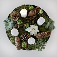 This year I decided to make my own Christmas flower arrangement with advent lights. Christmas Feeling, Noel Christmas, Scandinavian Christmas, Rustic Christmas, Winter Christmas, Christmas Crafts, Christmas Flower Arrangements, Christmas Flowers, Christmas Table Decorations