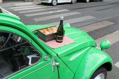 Citroen 2cv champagne Paris